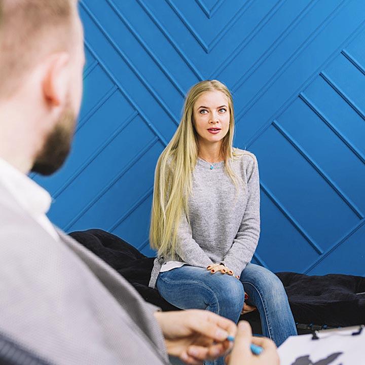 استخدام روانشناس و روانکاو در کلینیک روانشناسی دل